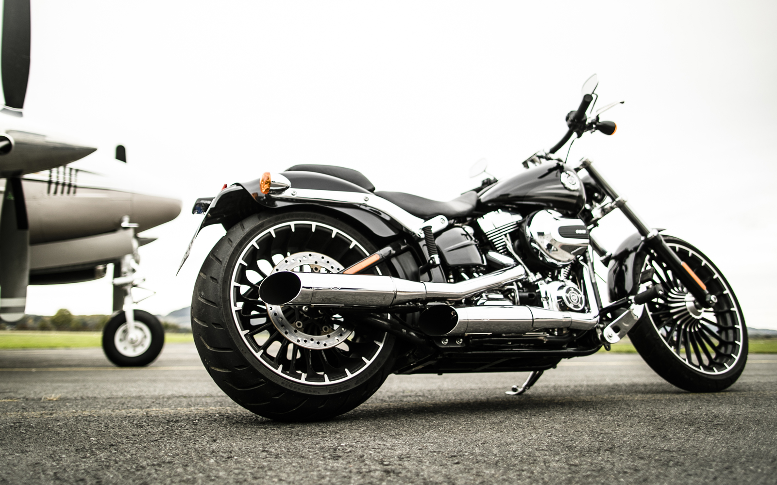 KessTech Adjustable Exhaust System on Harley Davidson
